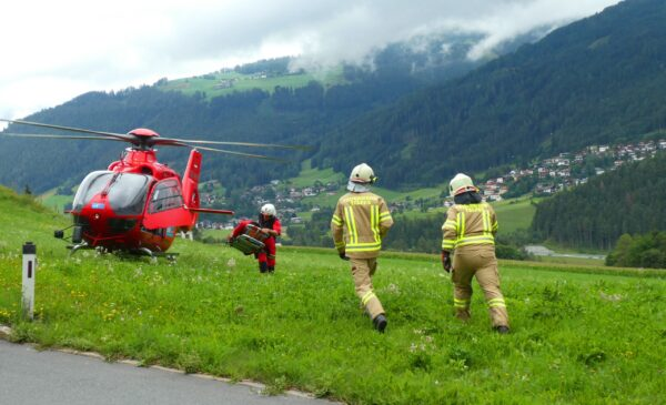search-and-rescue-helicopter-4532368